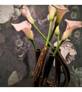 Modernne lilleseade Minimalistic Triu koostöös Lartusi sisustussalongiga