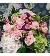 Rooside ja hortensiatega lillekimp (suvi/sügis)