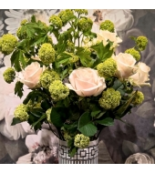Lilleseade Metrochic Roses koostöös Lartusi sisustussalongiga