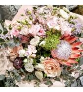 Suur kuning-proteaga lillekimp